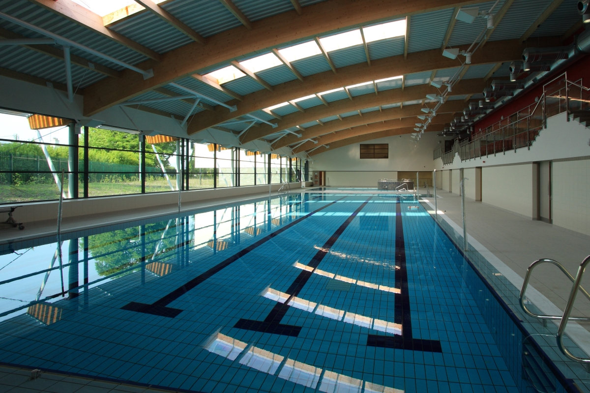Image of the new 5 lane Killarney Leisure Centre swimming pool